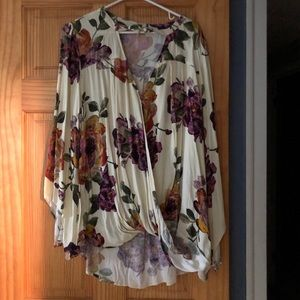 Never worn cute shirt for work or night out!